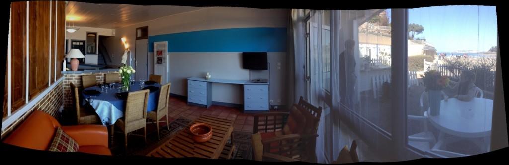 Le salon séjour de l'appartement l'Etrille à Dinard